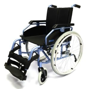 Кресло-коляска инвалидная складная с принадлежностями LY-710 (710-070/48-L), ширина сиденья 43,46,48 см.